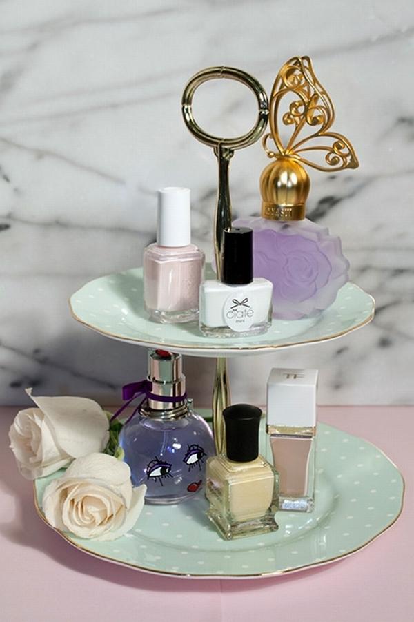 装饰性托盘,陈列貌美的瓶瓶罐罐  图片源自www.beautyblitz. com