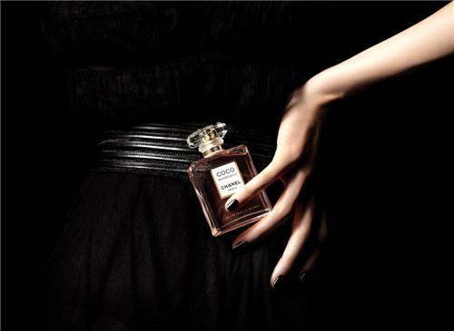 赠他蔚蓝男士香水£¬唤醒理想中的白色情人节礼物