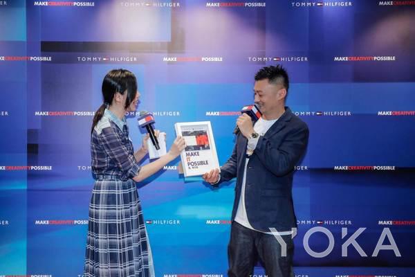 余文乐和主持人Linda Li(图片来源于品牌)