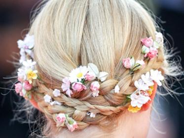 只有七夕才配拥有鲜花吗?这些鲜花头饰也美的开挂!