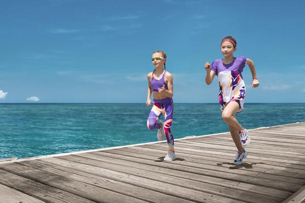 """安踏儿童""""活力顽家""""ELLA身穿SPORTS GIRL系列;图片来源:品牌提供"""