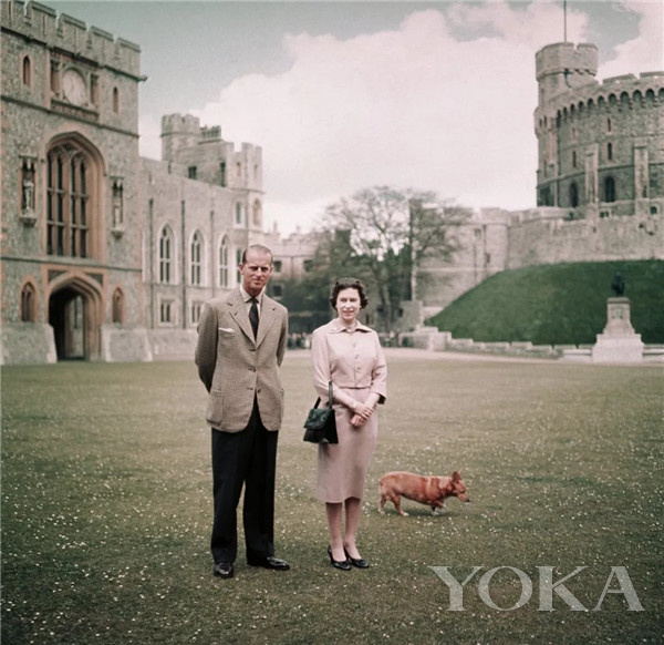 英女王和菲利普亲王(图片来源于PopSugar)