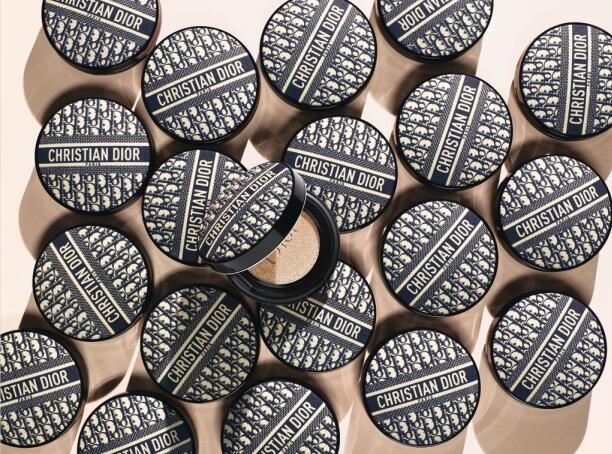 Dior迪奥锁妆气垫(Diormania经典花纹限量版) 570 RMB /14g