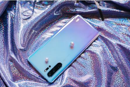重新书写手机色彩美学逻辑 华为p30天空之境热卖