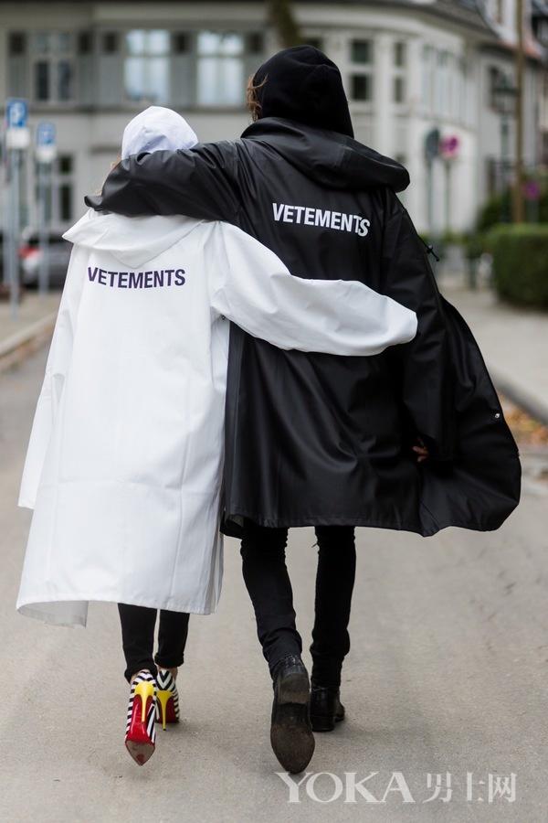 穿这4种帅雨衣 女友把伞扔了钻我怀里躲雨