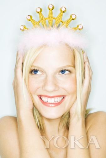 想成为白雪公主还不容易?