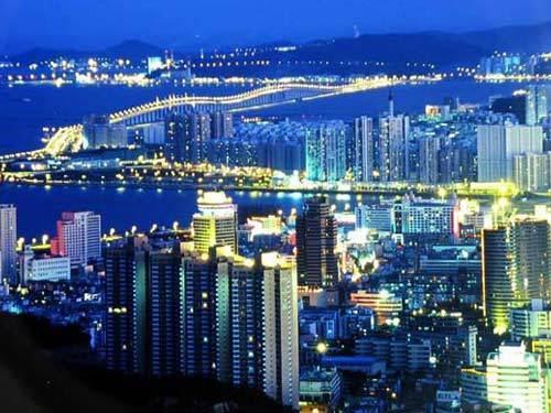 经济总量大的城市_2015中国年经济总量
