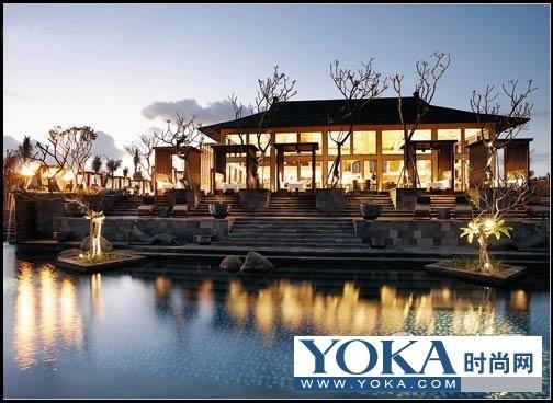 巴厘岛瑞吉度假酒店的开幕,标志着巴厘岛酒店业的服务和品质上升到