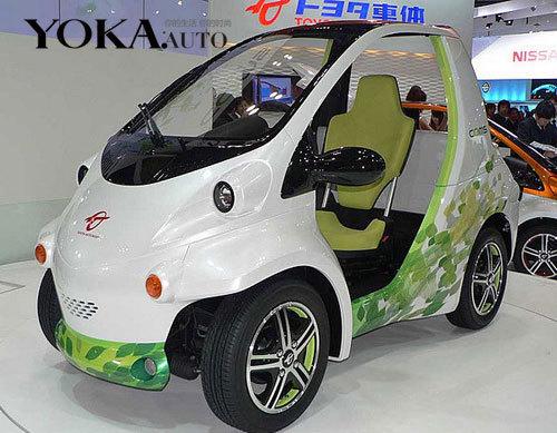 停车空间可以更省 小型折叠电动车问世高清图片