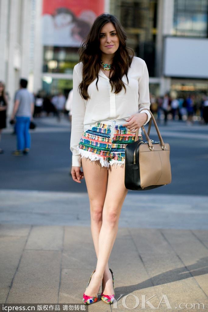 纽约街拍亚洲美女水准不逊欧美大妞