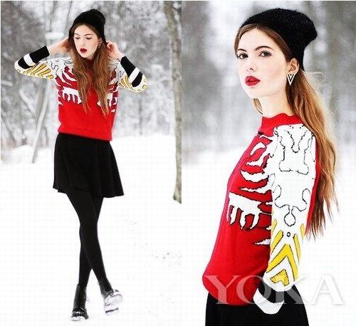 但是红色毛衣的花纹与袖口设计令这件毛衣非常像棒球