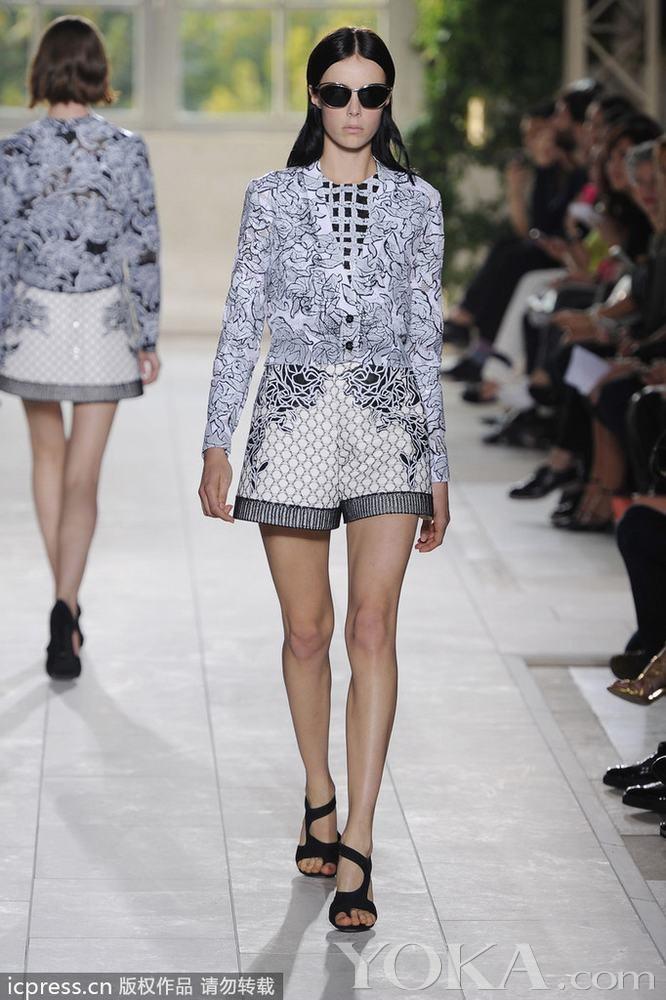 2014春夏巴黎时装周:balenciaga