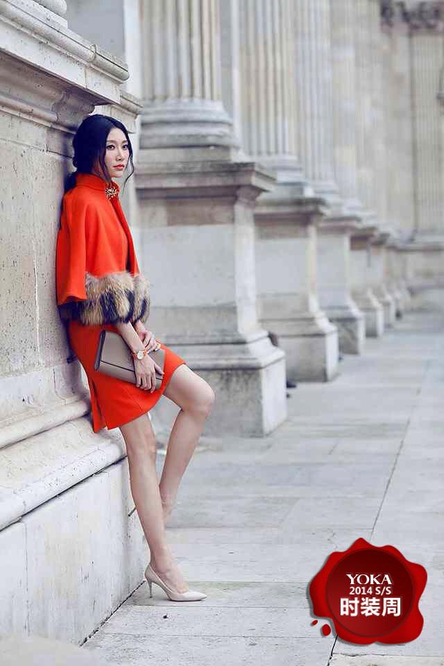 YOKA明星主编李斯羽刚抵达巴黎就开始了紧张的工作,一组优雅的法式浪漫街拍带给我们眼前一亮的惊喜感。斯羽选择的几套LOOK充斥着优雅的名媛风,无论是有皮草装饰的斗篷款套装还是清新简约的呢子大衣,斯羽都在细节之处做足功课。本次街拍中的重点莫过于斯羽佩戴的飞亚达腕表,精致的表款与斯羽的每套搭配都十分和谐。