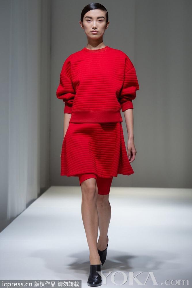 neil红色西装