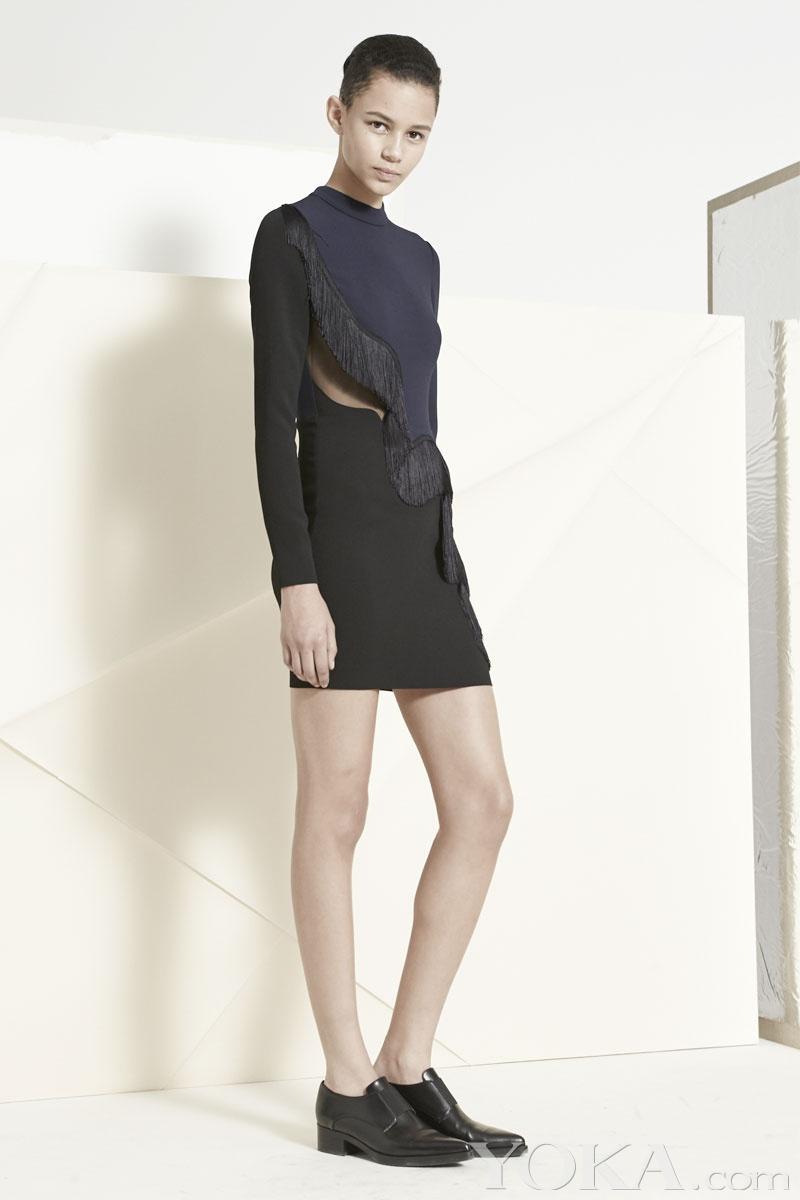 短款黑色皮衣搭配裙子 短款黑色皮衣搭配 黑色短皮衣搭配