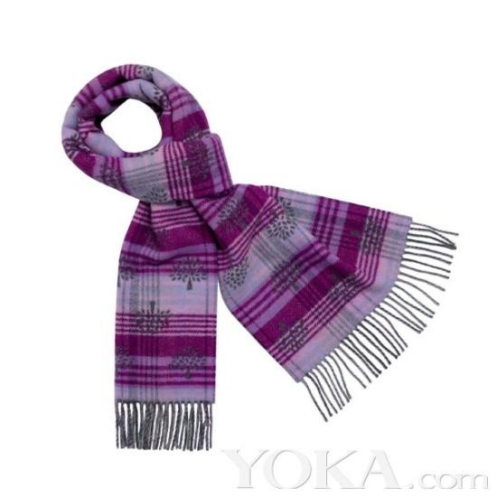 针织的直筒蝴蝶结连衣裙和漂亮的蝴蝶结兜帽,学院风的彩色条纹围巾都