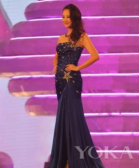 "冠军及""最佳上镜奖"": 王瑾瑶(穿着ZUHAIR MURAD Haute Couture from JAVECE)"