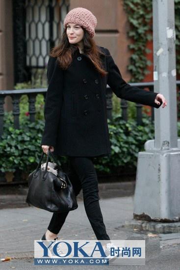 celine笑脸包中号二手价格,最大众的奢侈高仿手提包包品牌