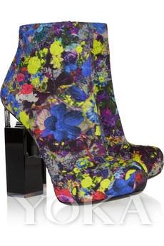 Nicholas Kirkwood几何跟印刷丝绸皮革靴