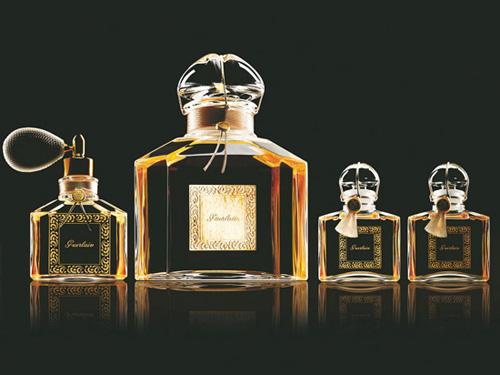 """1853 年的""""帝王之水""""是定制香水的鼻祖"""