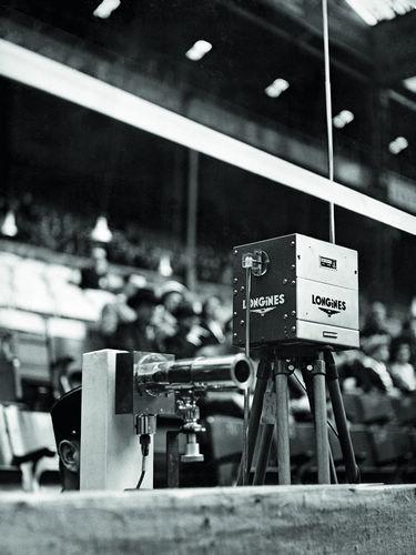 1949年巴黎国际障碍赛上的浪琴表的计时装置