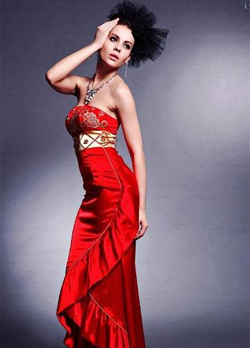 东方新娘永远挚爱的大红旗袍 2图片