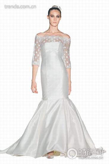 勾勒新娘曼妙身材的鱼尾裙婚纱
