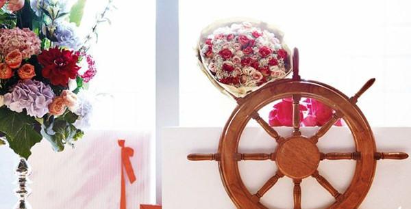 玫瑰花瓣雨下 爱海扬帆全心启航