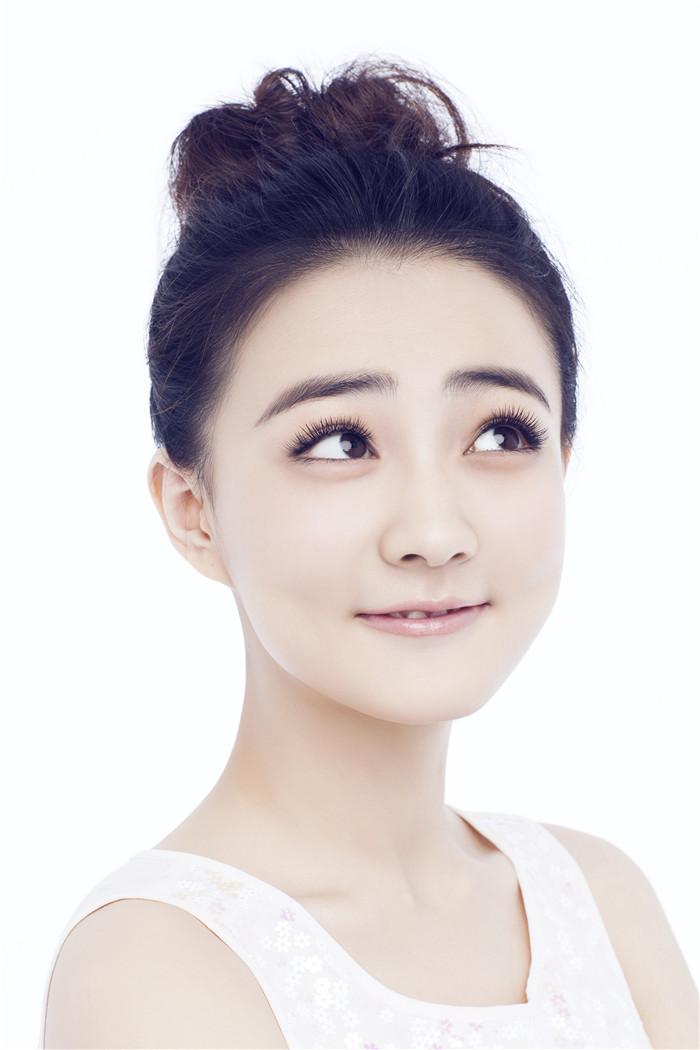 """皇上的玉娆徐璐变""""表情妹""""甜美可爱不忘搞怪_人物"""