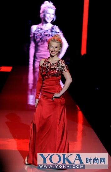美国年轻歌手Julianne Hough__明星_YOKA时尚网