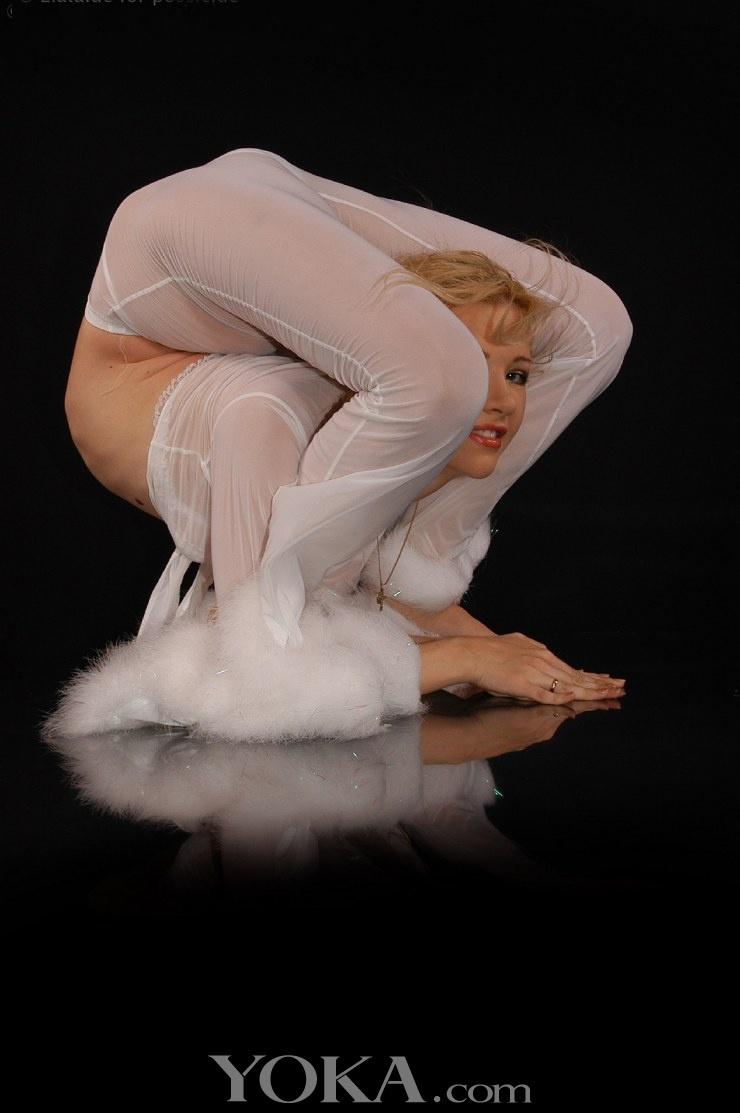 史上最柔软的俄罗斯柔术美人zlata性感写真史上最