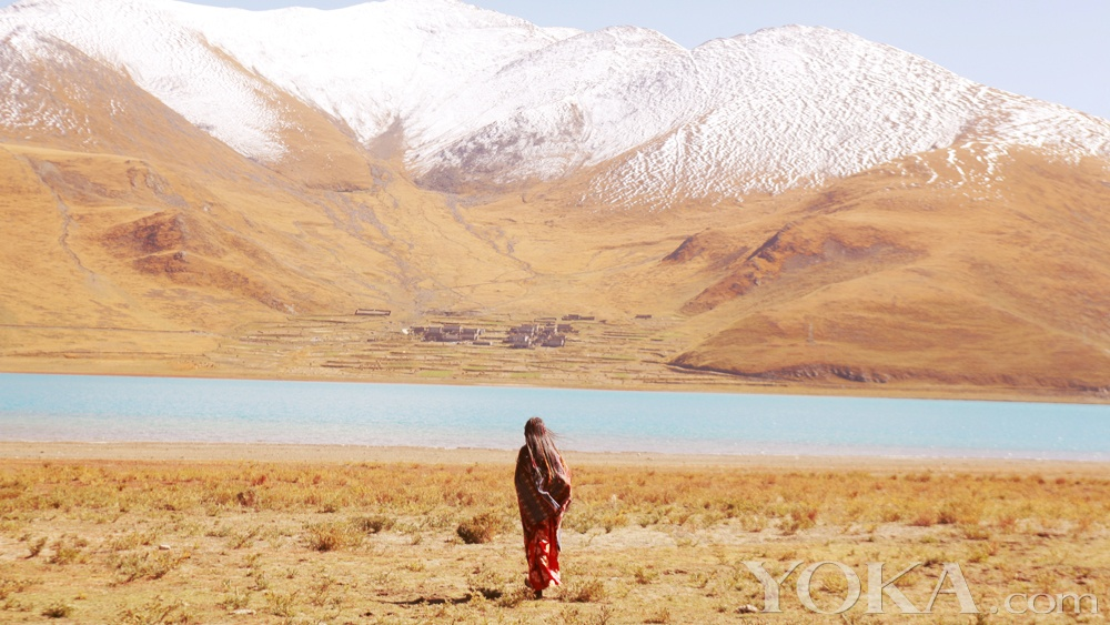 张辛苑西藏拍素颜写真